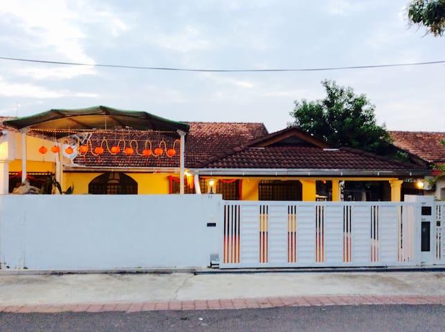 77 Homestay - Segamat - Segamat - House
