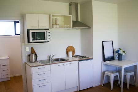 Brand new Wainui Beach studio perfect for couples - Gisborne - Rumah