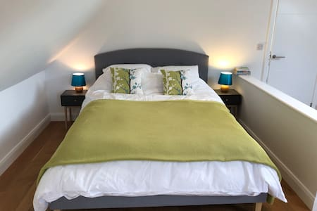 The Bamboo Lodge - studio B&B near channel tunnel