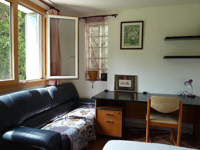 Double room(s) in a detached house - Orsay - Haus