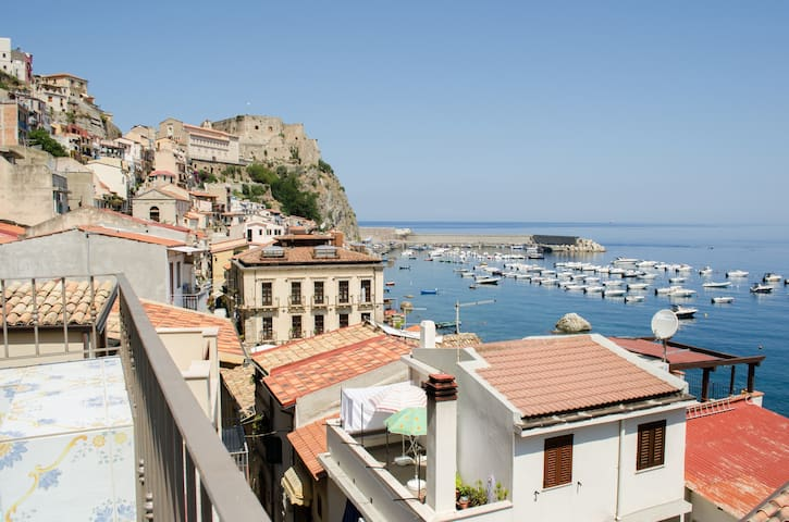 Panoramic penthouse sea view - Scilla - Huoneisto