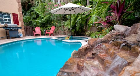 Luxury 3BR/3BA, Private Heated Pool, Beach
