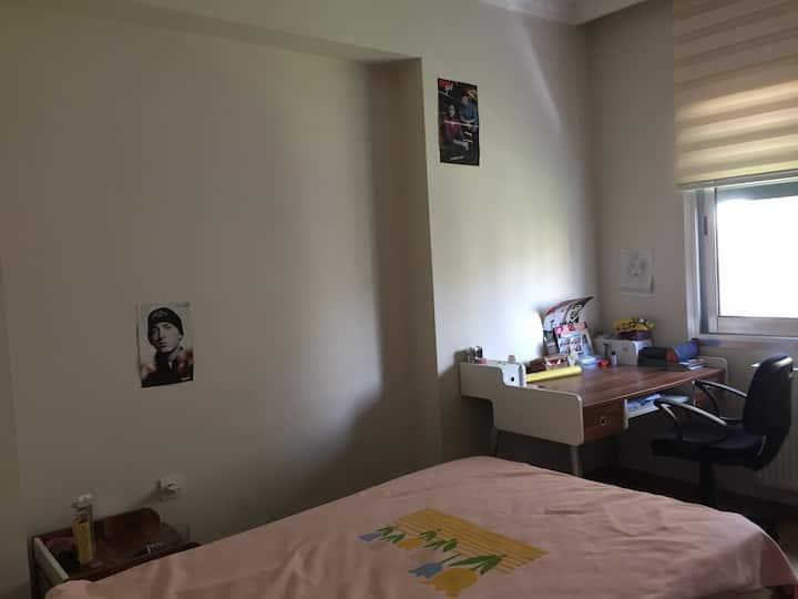 İzmir Bornova da Özel oda