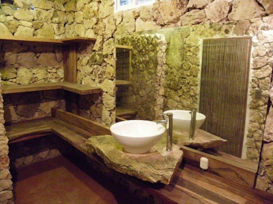 Room 1 private bath