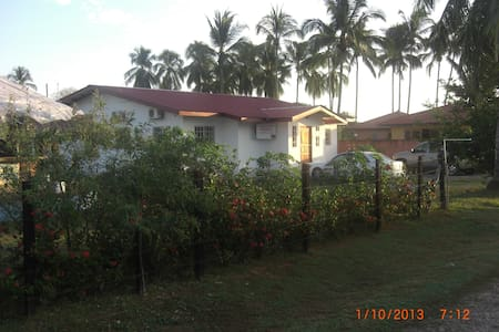 Room for two (one double bed) - Las Lajas, Chiriqui - Aamiaismajoitus