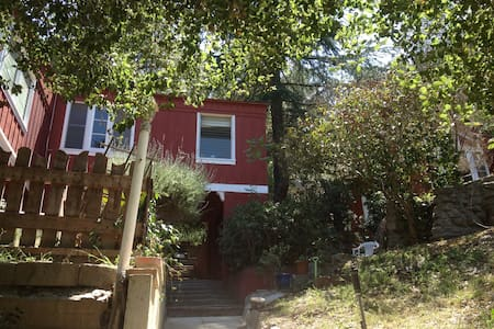 Rustic cabin in Hollywood hills - Los Ángeles - Cabaña