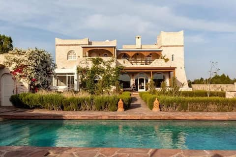 Belle Villa les Romarins avec piscine