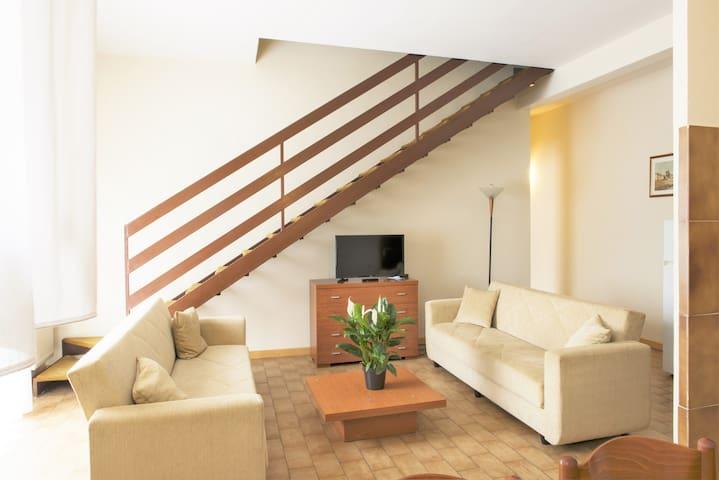 Appartamento Bilocale a pochi metri dal Raccordo - La Massimina-Casal Lumbroso - Serviceret lejlighed
