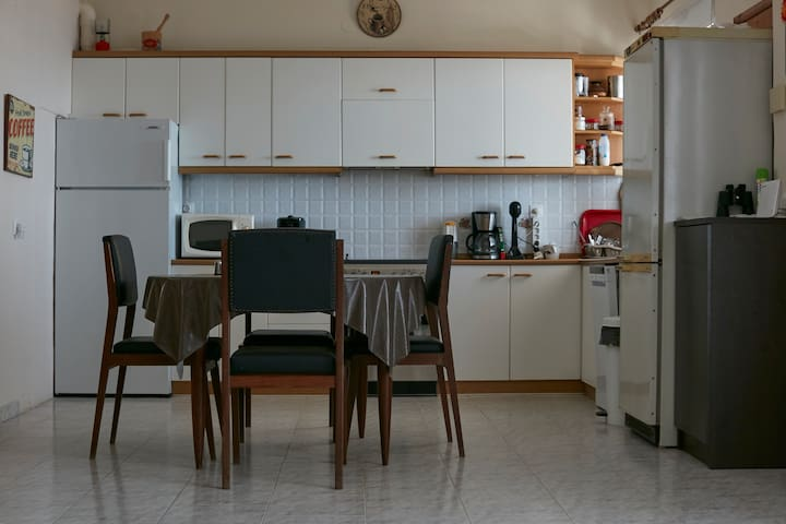 Open planned kitchen with dish washer