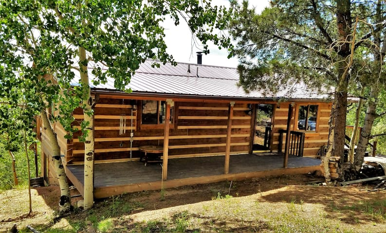 Private Cripple Creek Log Cabin with Gorgeous View - Cripple Creek - House