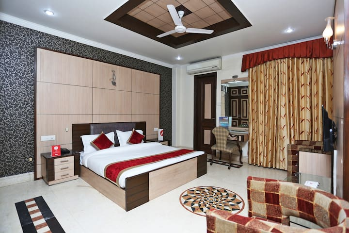 OYO SMART Furnished Room in Delhi