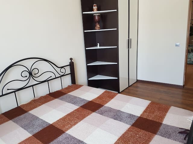 2 отдельные комнаты для семьи или друзей в доме
