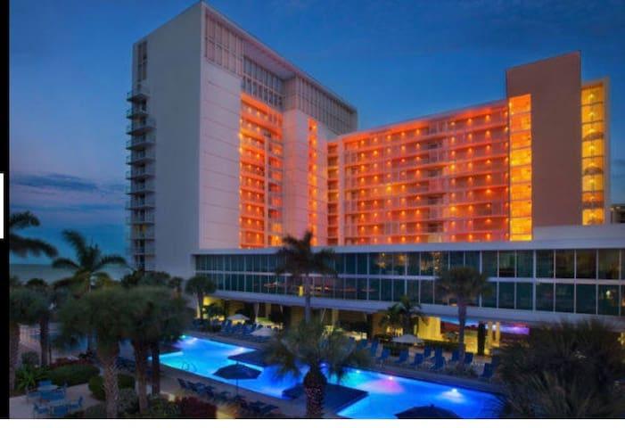 Marriott Marco Island Beachfront - 2BR