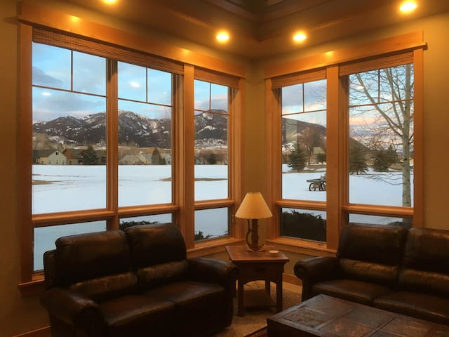 BRAND NEW! : Stunning views on  the golf course!