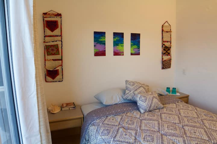 Cozy private room in center of La Ventana!