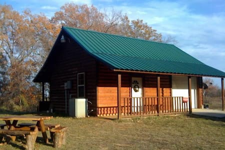 Rustic Bunkhouse - Camping with Comfort - Naples