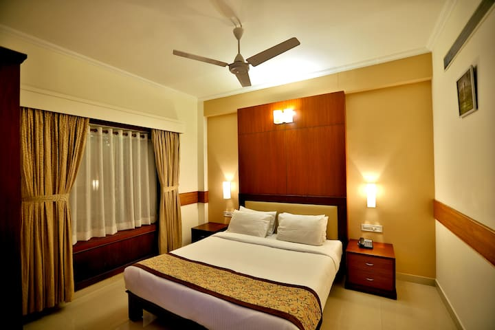 Parays Suite- King Size Bed room and  Living room