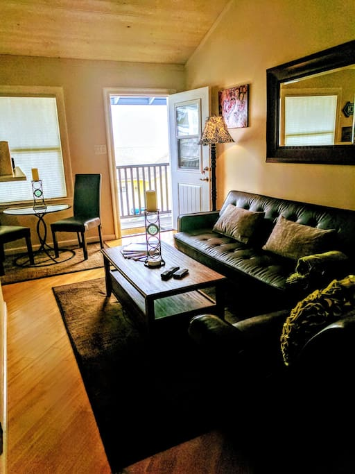 villa grove chat rooms Learn more about this listing located at 820 villa grove avenue, big bear, ca 92314, offered at $449,900 rooms: game room, kitchen, living room.