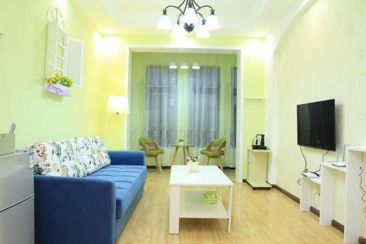 馨河宿田园风两居室,朴素自由的生活方式