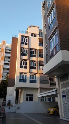 Cosy Private 1+1 BR Apartment, 8min to MRT/Subway