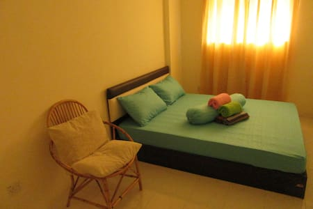 Budget, clean and cozy: Double Room near the Beach - Batu Ferringhi - Apartamento