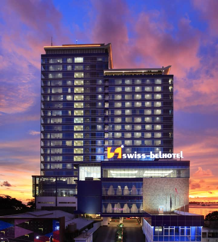 Room with Breakfast in Makassar by Swiss-Belhotel
