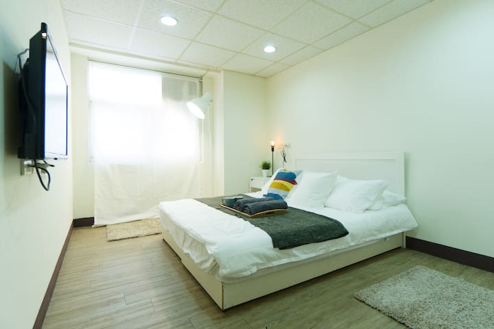 #Efficient Studio w/elevator - 5 min to Ximen MRT
