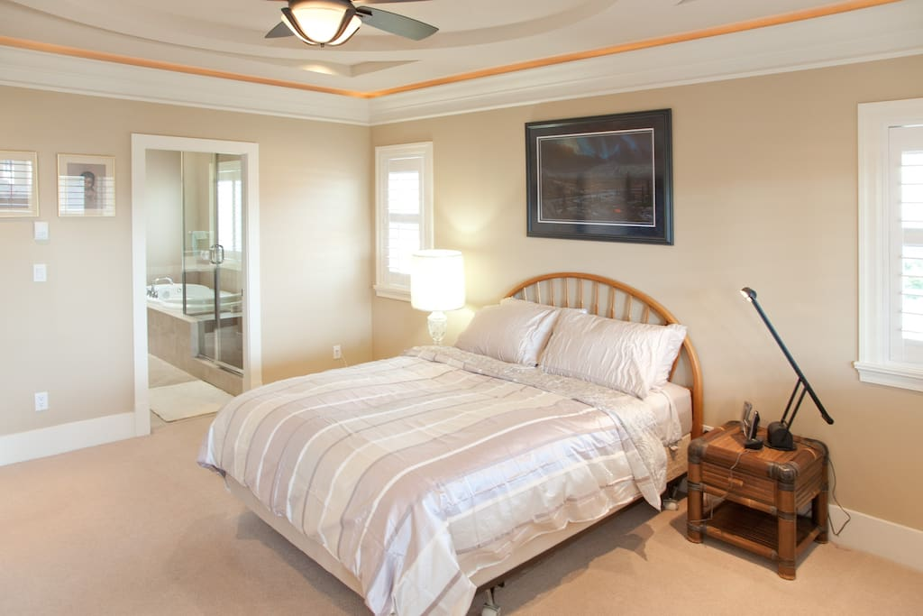 Master bedroom with ensuite and bal houses for rent in richmond british columbia canada Ensuite to master bedroom