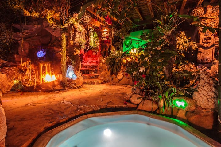 Pirates of the Caribbean Getaway - Topanga Canyon - Zomerhuis/Cottage
