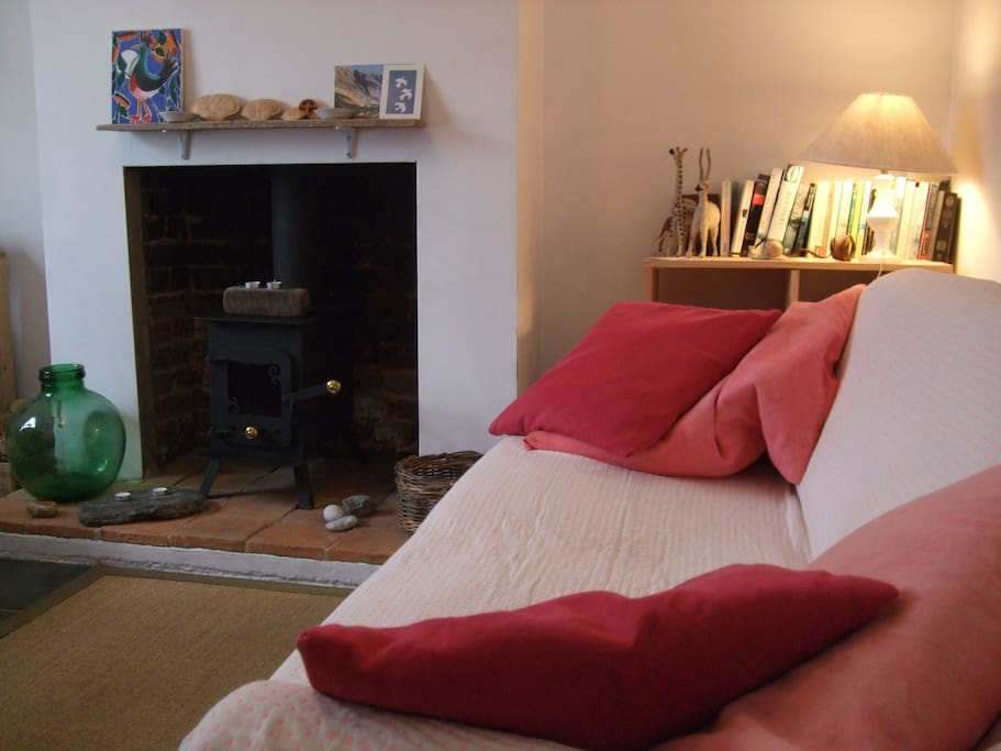 Come home and relax after exploring round about. The cottage has maps, lots of good books, a selection of DVDs, TV, wireless internet. You can really feel at home. Everyone comments that it has a really nice feel.