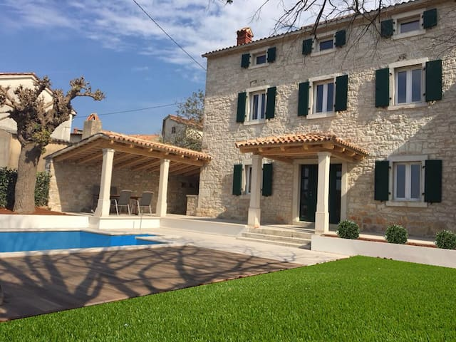 NEW! Modern Istrian villa with a private pool - Vrsar - House