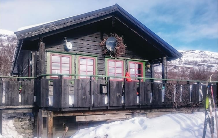Holiday cottage with 3 bedrooms on 70 m² in Vøringsfoss