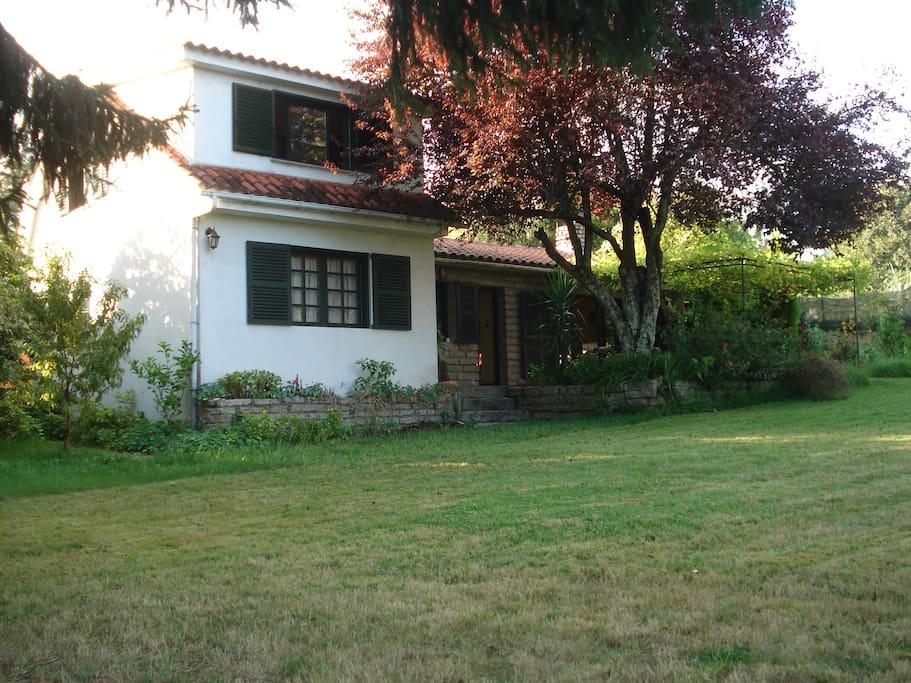 Chalet con finca sin barreras arquitect nicas casas en - Alquiler casa mino ...