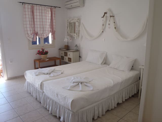 Romantic studio with sea view - Tholaria Amorgos - Rumah