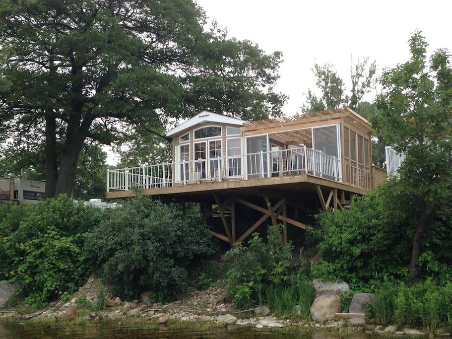Waterfront Cottage Quailridge In Consecon Ontario Canada