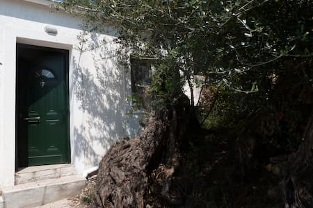Relaxing house in olive trees for 2 - Agios Markos - House