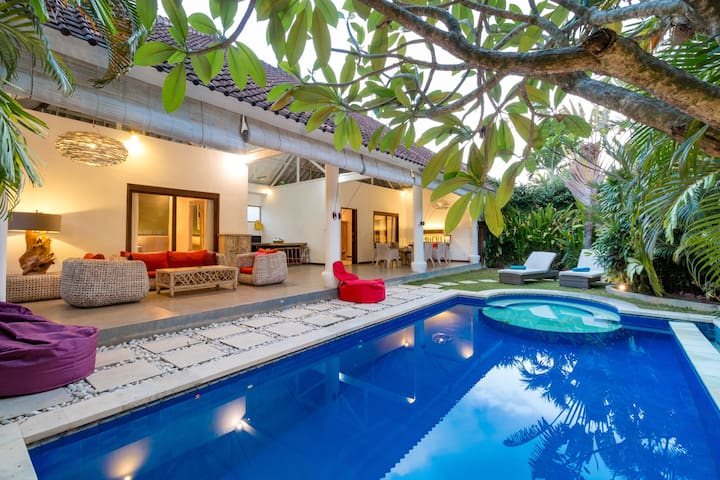 Beautiful 2 Bedroom Villa Private Pool in Seminyak