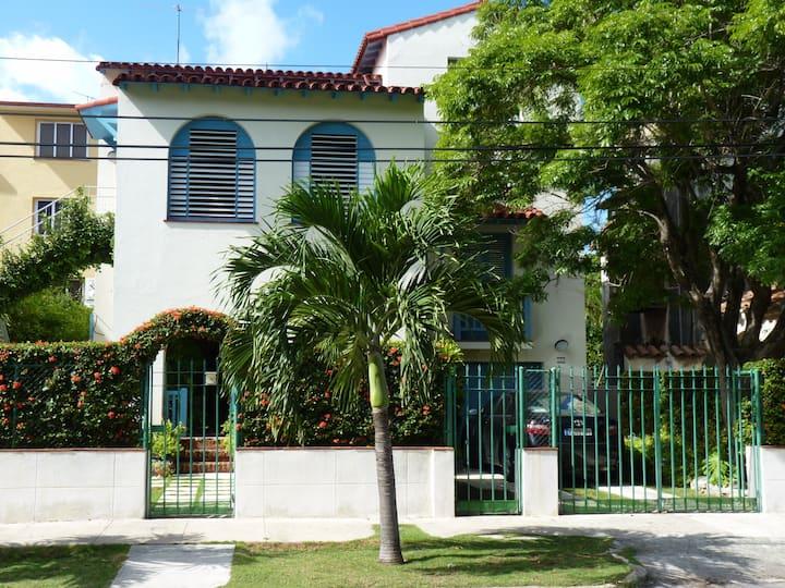 Colonial House / Apartment/ La Habana