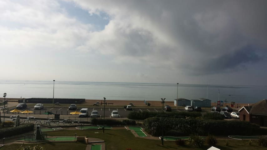 Old Town. Almost on the beach!! - Hastings - Appartement