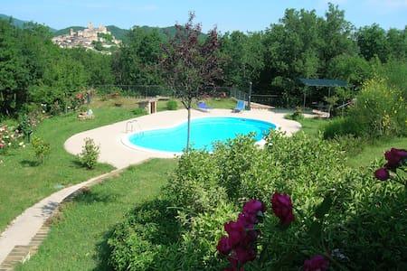 Colle della Sibilla - country flat - Sarnano