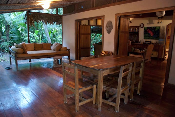 Charming,Rustic Oceanfront Home     - Manzanillo - Rumah