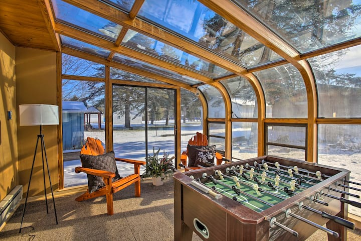 Houghton Lake House - Directly on Waterfront!