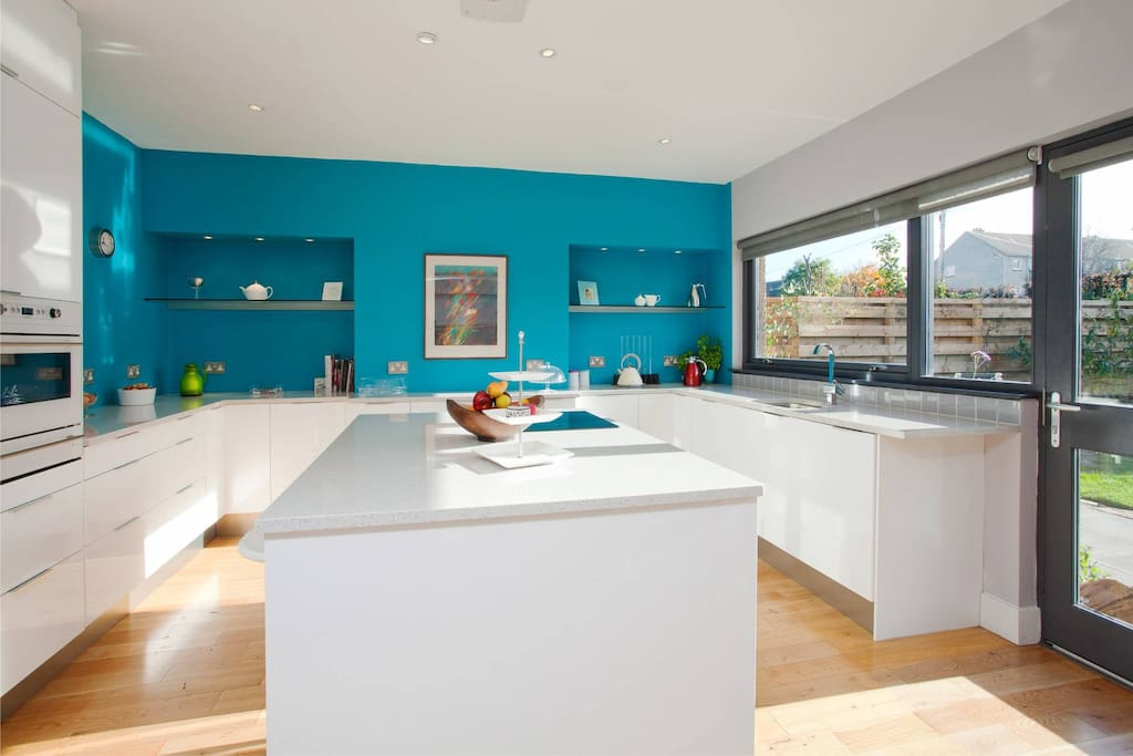 Large bright, modern and fully equipped kitchen