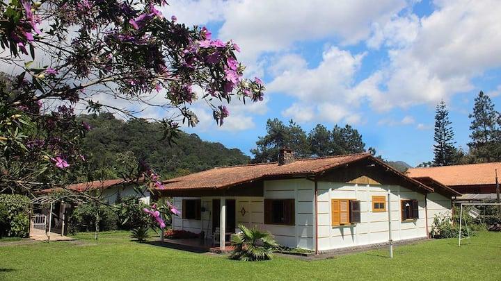 Lazer, aconchego e verde na Serra de Friburgo
