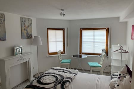 Modernes, gemütliches  Zimmer mit eigenem Bad
