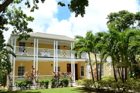 TangleWood, London Terrace, Nassau