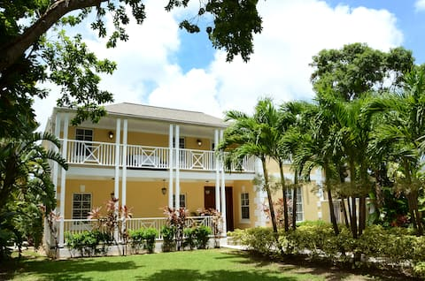 Large House w/ Private Pool + Easy Beach Access