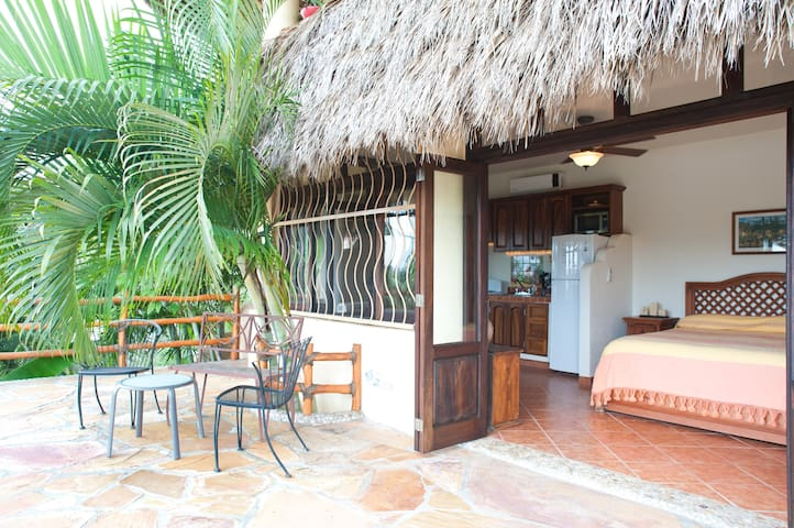 Quiet romantic casita with a view! - Sayulita - Ev