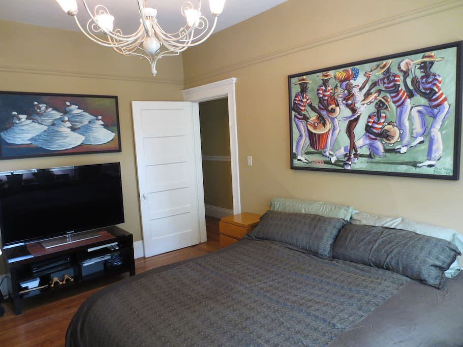 Large flat screen TV with all premier HD channels.