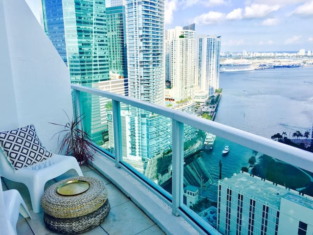 Ocean View Loft in bustling Brickell-Private room - Miami - Loft